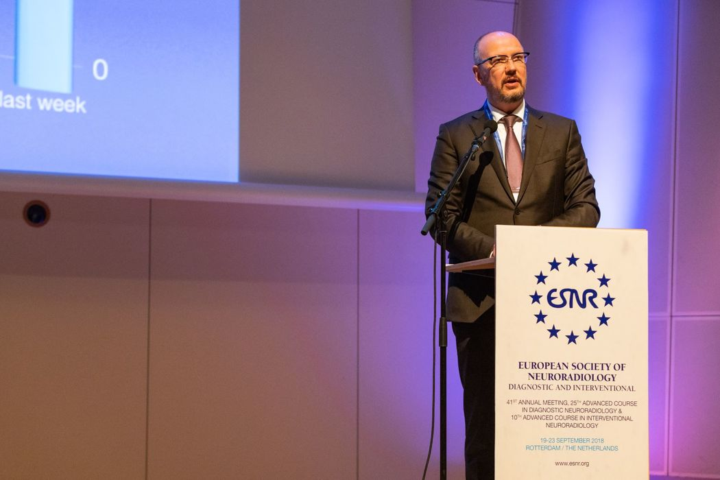15/10/2018 : ESNR 2018: Prof. Johan Van Goethem takes office as new ESNR President!
